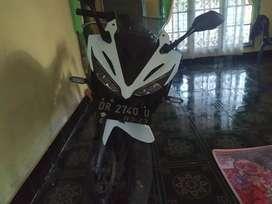 Dijual motor CBR 150 R