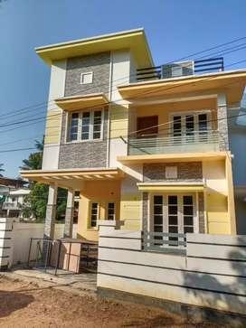 3 bhk 1500 sqft new build at aluva kalamassery road kombara