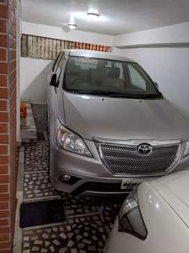 New condition ,only 33000km driven innova..