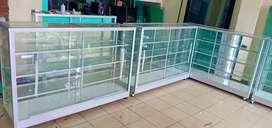 Berbagai ukuran tersedia etalase aluminium yg multiguna
