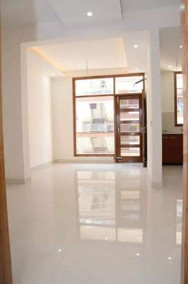 8 marla ground floor 2bhk 70% covered new corner for sale sector 44 b