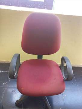 Office chair Good Condition No Spring Action