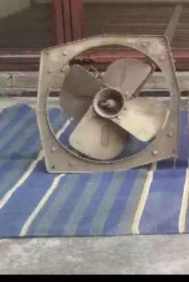 Bahut bhari Exhaust fan
