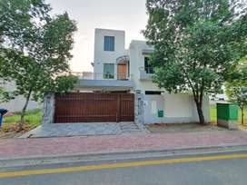 10 Marla brand new house is for sale in Rafi Block Bahria Town Lahore