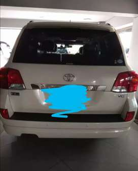Toyota land cruiser 2013 almost new