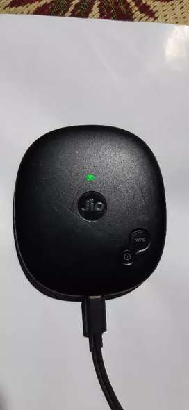 High speed Jio Fi   is vry good condetion, 12 person  connect