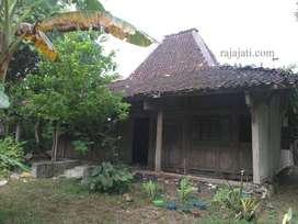 Rumah Joglo dan limasan kayu jati dari rumah kampung jawa tengah