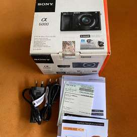 Sony A6000 Mirrorless with 16-50mm lens kit