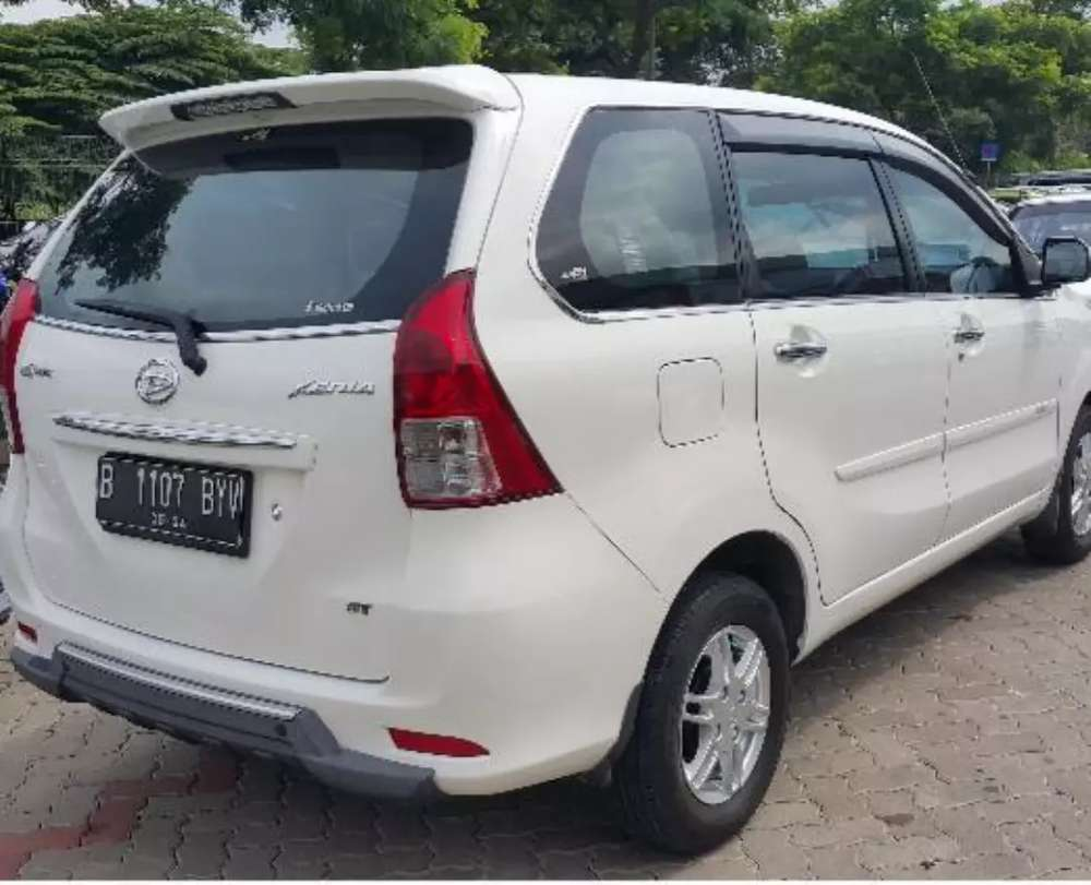 Daihatsu XENIA 1300cc R Sporty  putih istimewa