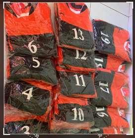 Baju olahraga warna kombinasi orange