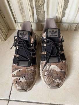 Sepatu adidas authentic