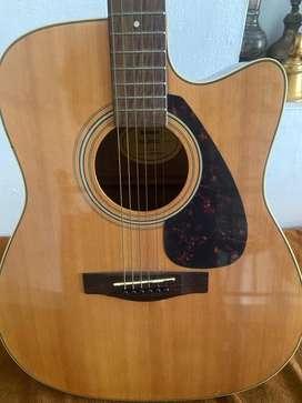 Yamaha FX370C guitar