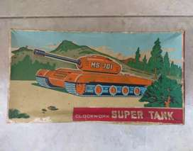 Kotak mainan antik kuno original asli Clockwork Super Tank  MS-701