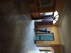 Calm, peaceful area with carparking for rent