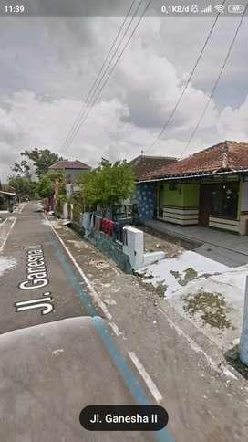 Rumah kampung di bolon colomadu