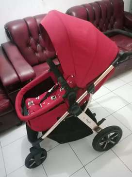 Stroller Hugo warna merah