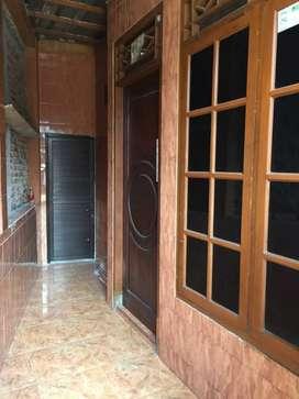 Disewakan rumah 1 1/2 lantai 1.6 Juta/bln *khusus muslim