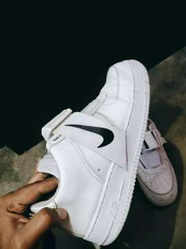 Nike air sneckers size 8-9 (28 cm)