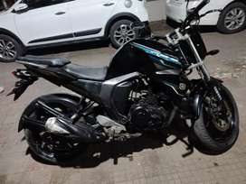 Yamaha fzs v2, like new