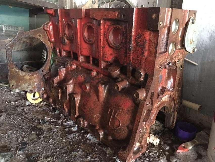 Blok mesin engin toyota dyna 125 ht 0