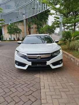 Civic turbo 1.5 L Turbo AT low kilometer