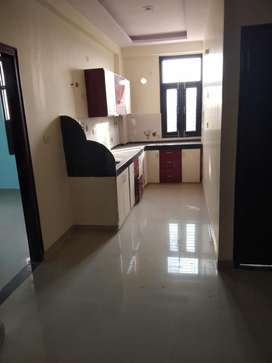 3 bhk park facing flat for sell