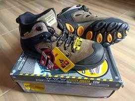 Sepatu safety jogger Explore
