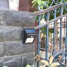 Lampu dinding taman teras emergency solar light LED tenaga Surya MTHR.