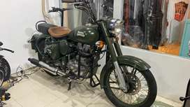 Royal enfield classic 500 battle army