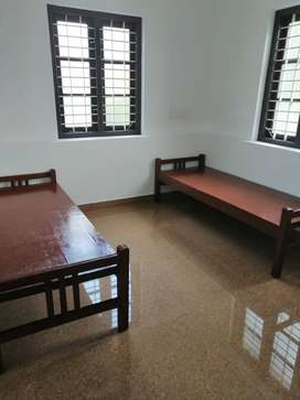 Bed Space Available for Working LADIES and Students