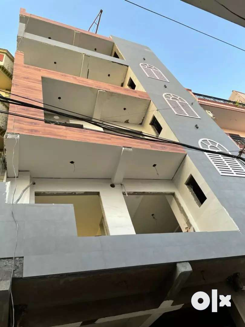 Flat 3bhk on wide road @ good location