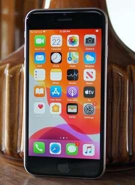 Urgently selling I phone SE  64 gb second generation.