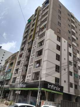 Kings galaxy gulshan chorangi 3 bed dd for rent.resrved parking.24 hr
