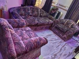 5 seater sofa ,6 month used ,good condition