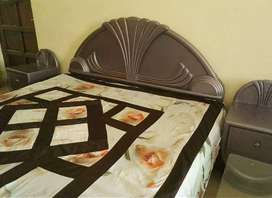 Complete bedroom set =kingsize double bed+side table +dressing table