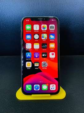 IPHONE X 64GB SILVER COLOR MINT CONDITION