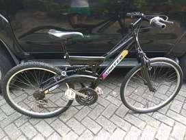 "Sepeda mtb gunung UK 26""united doble sokbreker"