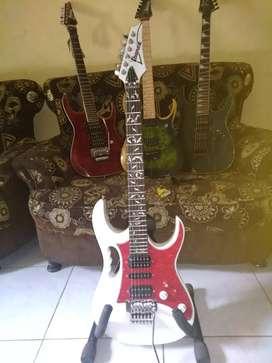 Jual gitar ibanez kondisi baru