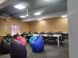 Co-Working, plug and play, furnished, with wifi Office Space for rent