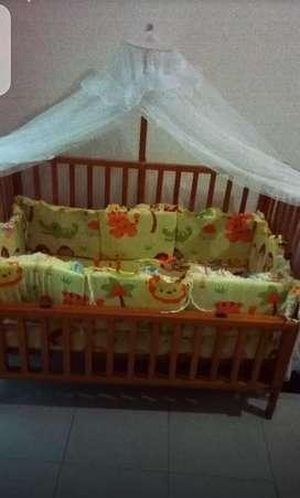 Tempat Tidur Bayi Lengkap Sebagian Baru - Box Bayi Bahan Kayu Solid