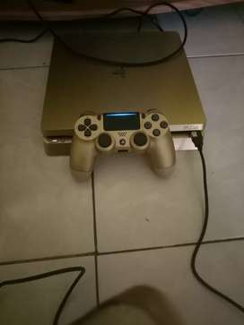 Ps4 slim warna gold jos