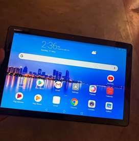 Huawei mediapad m5 lite with pen for writing and drawing