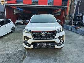 Toyota Allnew Fortuner 2.4 VRZ TRD Lux AT th 2021 putih metalik km low