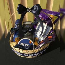 Gift basket with cosmetics and chocolates