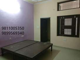 1 room on rent in good society