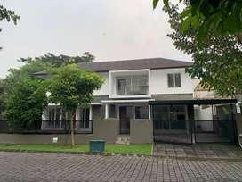 Rumah 2 Lantai Kawasan Elite Harga Murah Lokasi Strategis Row Lebar