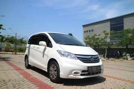 Honda freed E 1.5 2013 ac double cash 168jt tdp low