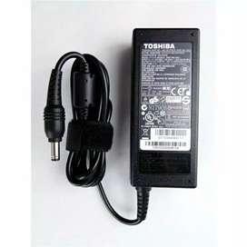 Adaptor Laptop Toshiba