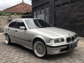 BMW 323i Matic istimewa
