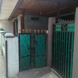 Rumah suasana kampung dekat bandara soeta
